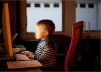 Un nuevo proyecto de ley contra la pornografía infantil se presentó en Argentina. Foto CC BY(Lars Plougmann)-SA